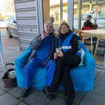 UBE - Blaues Sofa